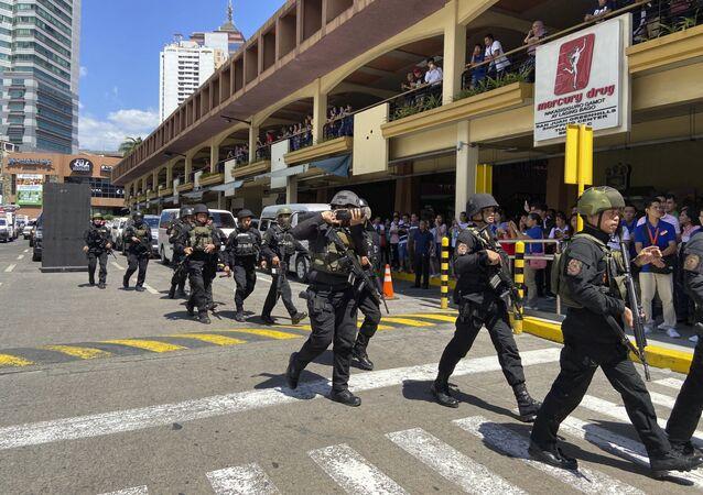 Grupo de elite da polícia das Filipinas durante operação em Manila, capital do país (arquivo)