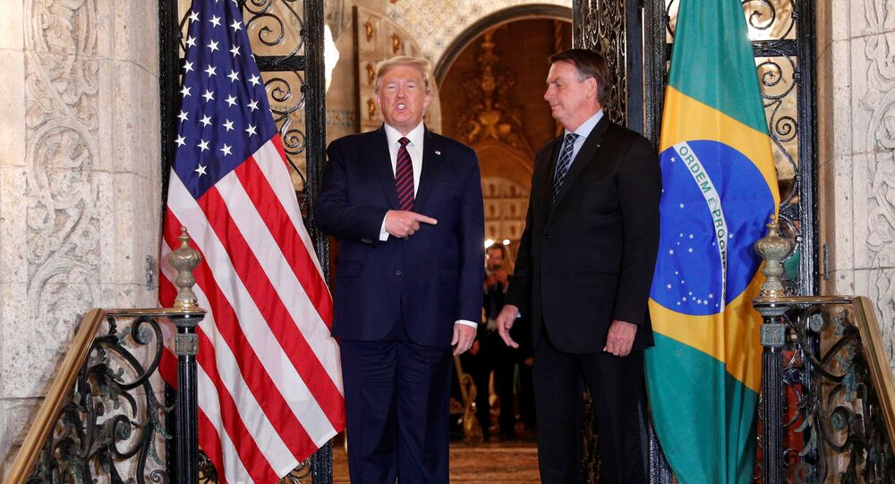 Os presidentes dos EUA, Donald Trump, e do Brasil, Jair Bolsonaro, se encontram na Flórida