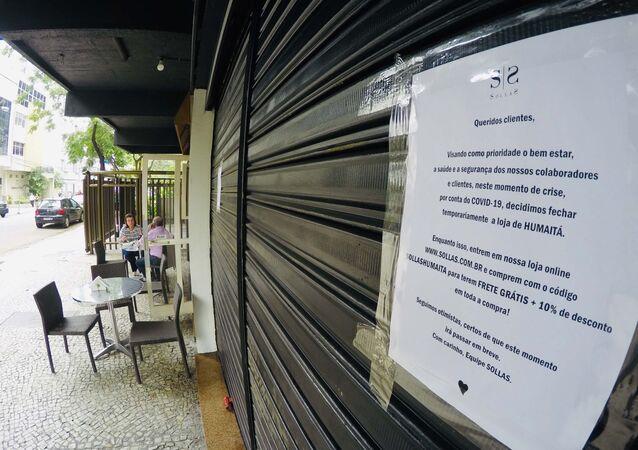 Comércio fechado na região de Botafogo no Rio de Janeiro (RJ), nesta sexta-feira (20), por conta do novo coronavírus.
