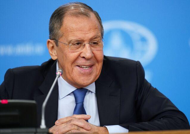 Sergei Lavrov durante uma coletiva de imprensa