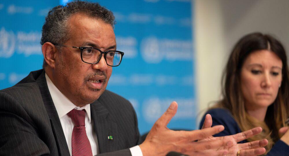 Diretor-geral da Organização Mundial da Saúde, Tedros Adhanom Ghebreyesus, participa de uma coletiva de imprensa sobre o surto da COVID-19 em Genebra, Suíça, 16 de março de 2020