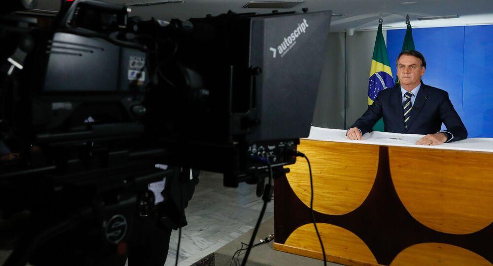 Presidente Jair Bolsonaro durante pronunciamento em rede nacional de rádio e televisão, 24 de março de 2020