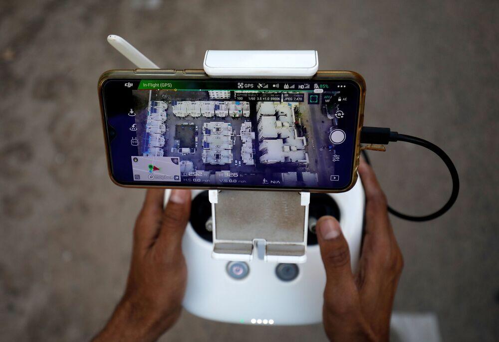 Demonstração de controle de drone na Índia