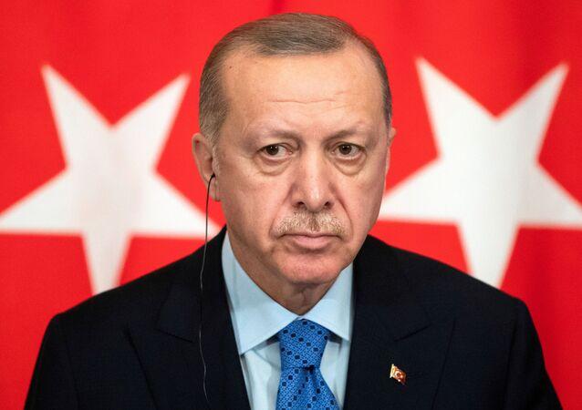O presidente turco Tayyip Erdogan participa de uma coletiva de imprensa conjunta com o presidente russo Vladimir Putin (não visível) após conversas em Moscou, Rússia, 5 de março de 2020