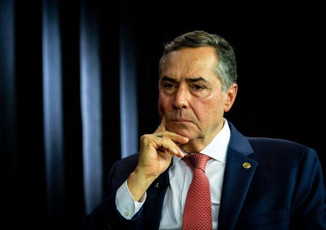 Ministro do STF Luís Roberto Barroso, que assumirá presidência do TSE