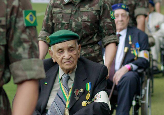 Reservistas da Segunda Guerra Mundial são homenageados no Estádio Mineirão, Belo Horizonte, Brasil, 16 de fevereiro de 2020