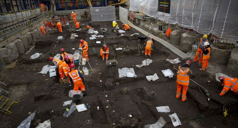 Escavações de sítio arqueológico no Reino Unido (imagem referencial)