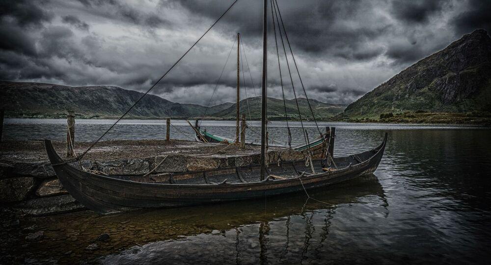 Barco viking na Noruega (imagem referencial)