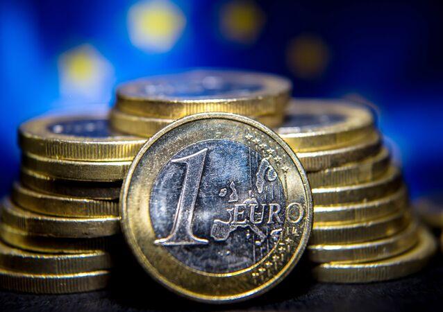 Segundo a agência alemã DWN, boa parte dos recursos que a UE destinou a países como Romênia e Bulgária, onde a corrupção é um problema grave (menos grave do que na Ucrânia, no entanto), foi utilizada no fortalecimento do crime organizado