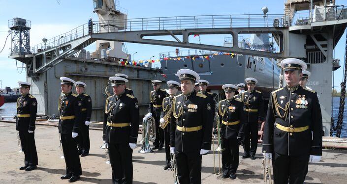 Lançamento da terceira fragata do projeto 22350, Admiral Golovko, em São Petersburgo