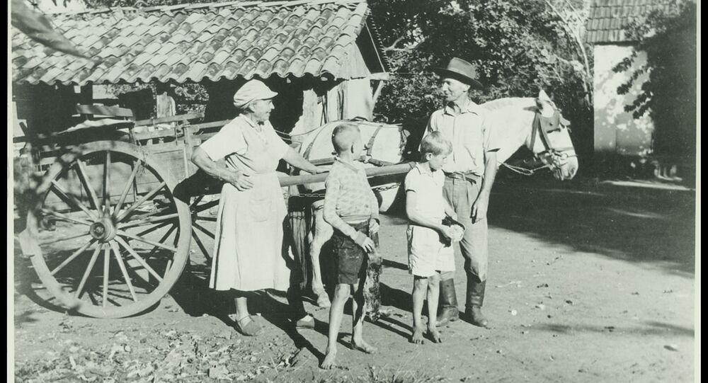 Família de imigrantes alemães na cidade de Ibitinga (SP), em 1944