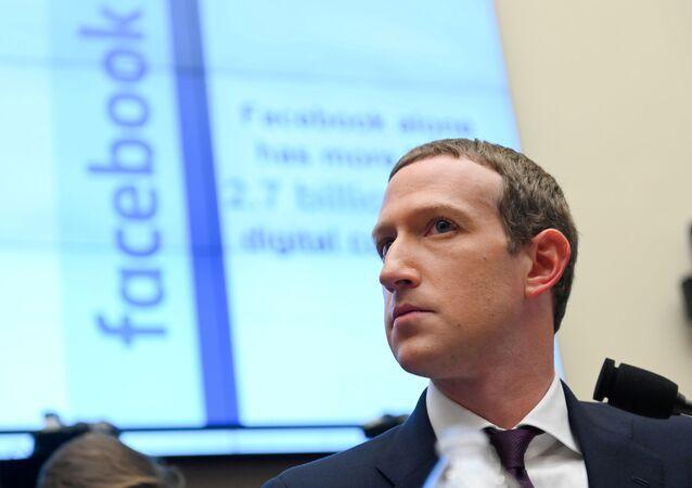 Em Washington, o CEO do Facebook, Mark Zuckerberg, presta depoimento ao Comitê de Serviços e Finanças da Câmara dos Representes, em 23 de outubro de 2019.