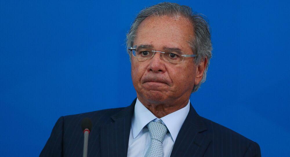 O ministro da Economia, Paulo Guedes, durante coletiva de imprensa no palácio do Planalto em 31 de março de 2020.
