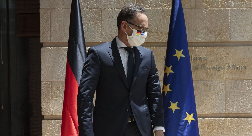 Ministro das Relações Exteriores da Alemanha, Heiko Maas, usa máscara protetora em reunião com homólogo, em Jerusalém, Israel, 10 de junho de 2020