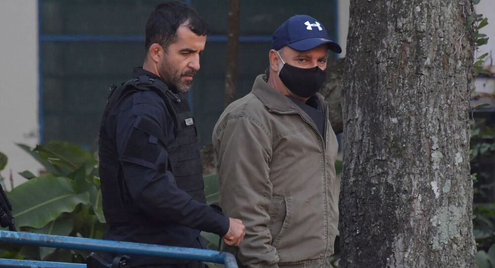 Fabrício Queiroz, ex-assessor de Flávio Bolsonaro, é preso pela Polícia Civil e pelo Ministério Público de São Paulo em Atibaia, Brasil, 18 de junho de 2020