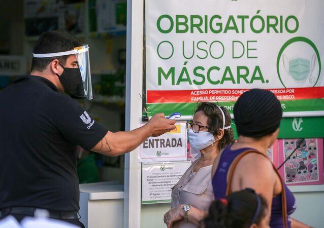 Movimentação no centro comercial da cidade de Maceió (AL) em meio à pandemia do novo coronavírus, Brasil, 30 de junho de 2020