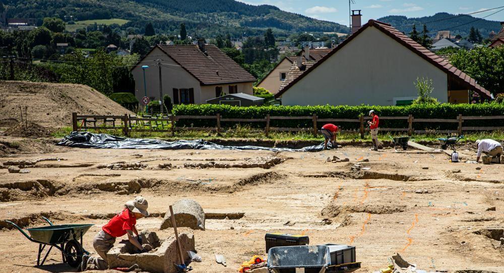 Escavações arqueológicas na cidade de Autun, na França
