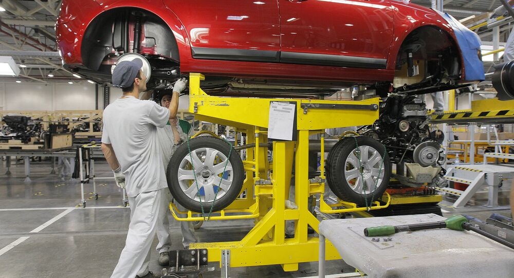 Montagem de automóveis Citroen na fábrica da PSA Peugeot Citroen, em Kaluga, na Rússia