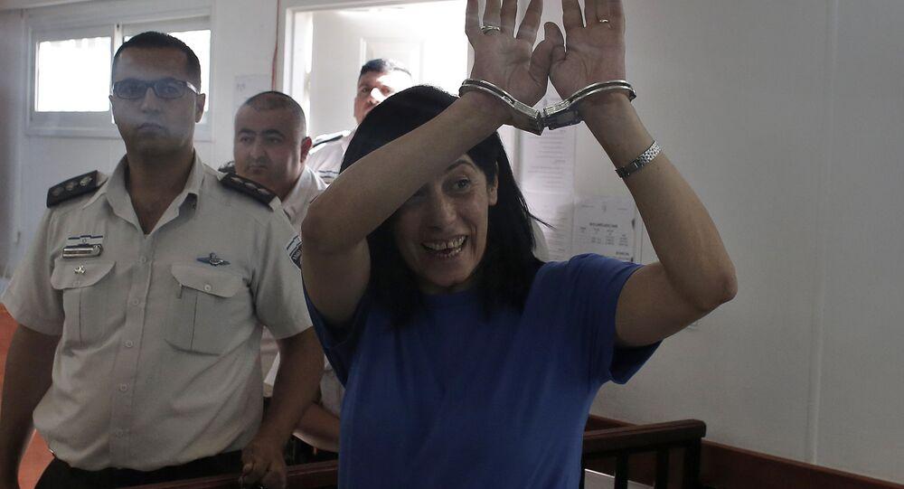 A deputada palestina Khalida Jarrar, detida pelas autoridades de Israel desde abril deste ano