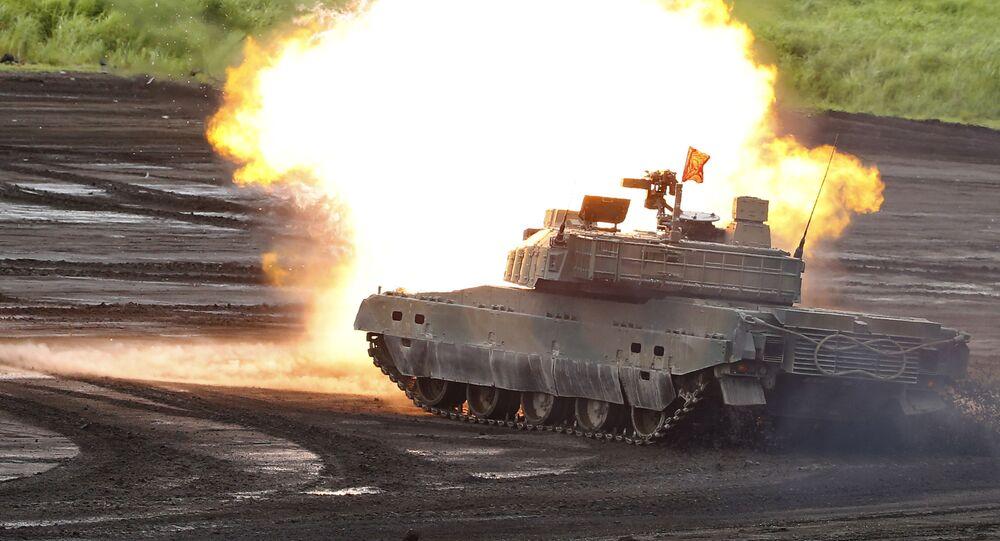 Tanque durante exercícios militares no Japão