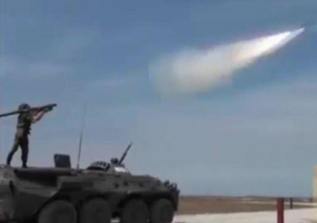 Sistema portátil de defesa aérea russo Verba