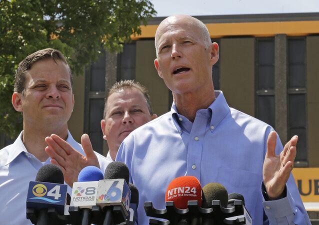 Governador do estado da Flórida, Rick Scott, fala a repórteres em Miami e declara estado de emergência, em 28 de agosto de 2015. AP Photo/Alan Diaz