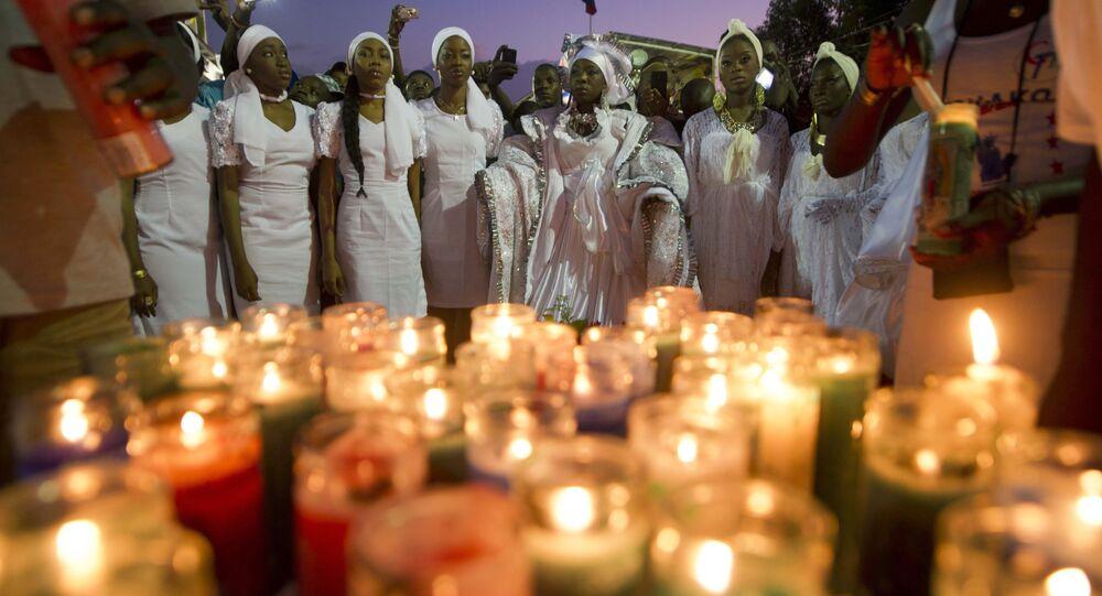 Cerimônia em memória de falecidos no Haiti