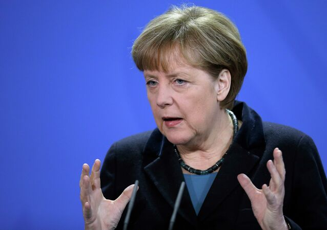 Chanceler da Alemanha Angela Merkel discursando numa conferência de imprensa