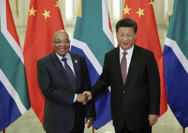 Jacob Zuma e Xi Jinping, presidentes de África do Sul e China.