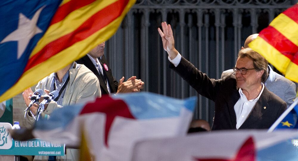 Artur Mas celebrando a vitória nas eleições regionais em Catalunha
