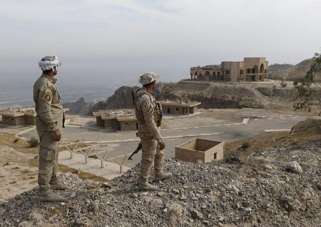 Milícia popular xiita no Iraque perto da cidade de Baiji