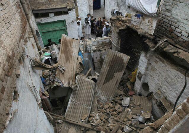 Área no Paquistão atingida pelo terremoto.