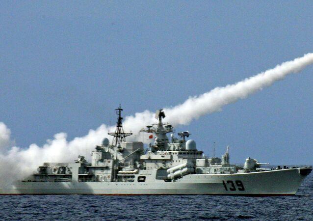 China realiza exercícios militares no Mar da China Meridional