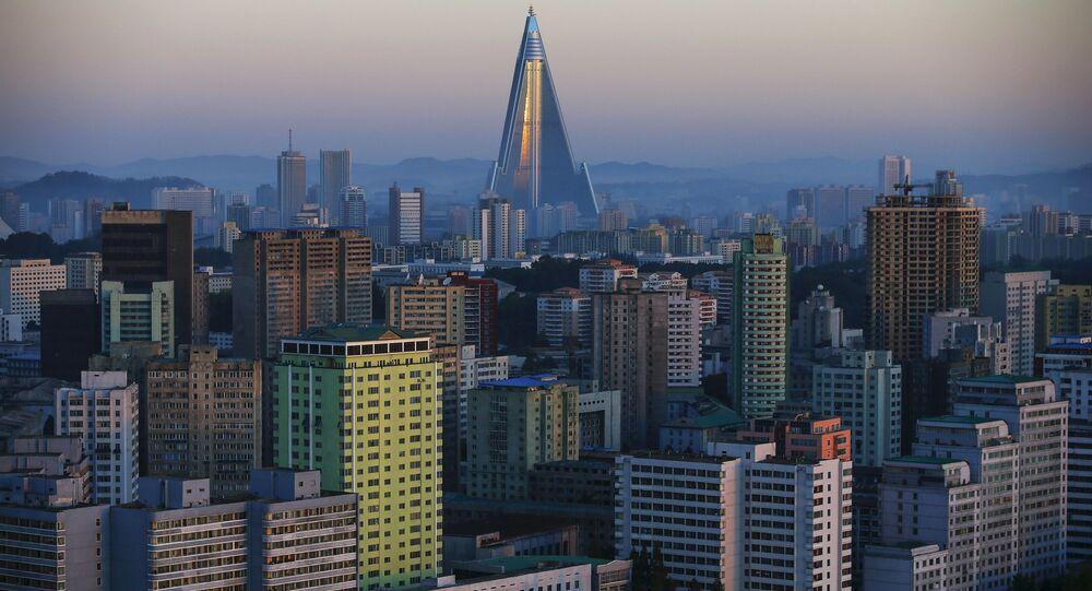Edifícios residenciais em Pyongyang, capital da Coreia do Norte (arquivo)