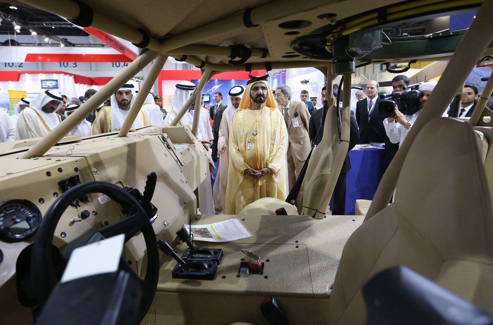 Premiê dos Emirados Árabes Unidos Mohammed bin Rashid Al Maktoum na XII Exposição internacional técnico-militar IDEX 2015 em Abu Dhabi