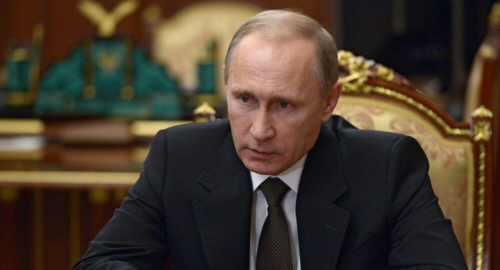Presidente russo, Vladimir Putin, em reunião no Kremlin