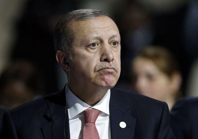 Presidente turco Recep Tayyip Erdogan na Conferência Climática em Paris, 30 de novembro de 2015