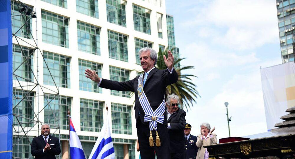 Tabaré Vázquez assume a presidência do Uruguai