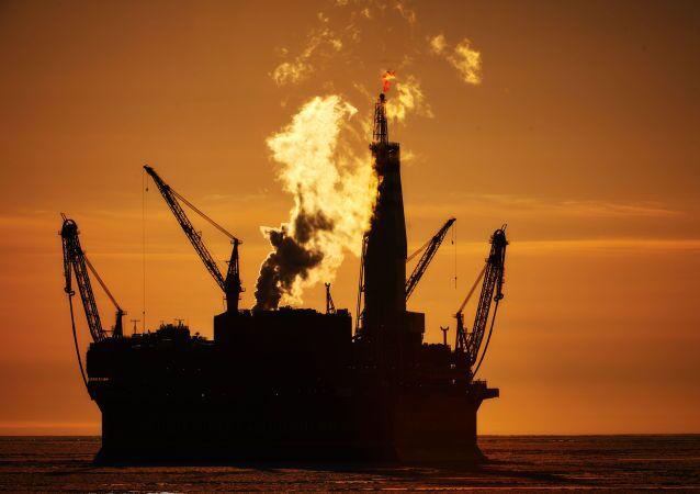 Plataforma russa de petróleo Prirazlomnaya