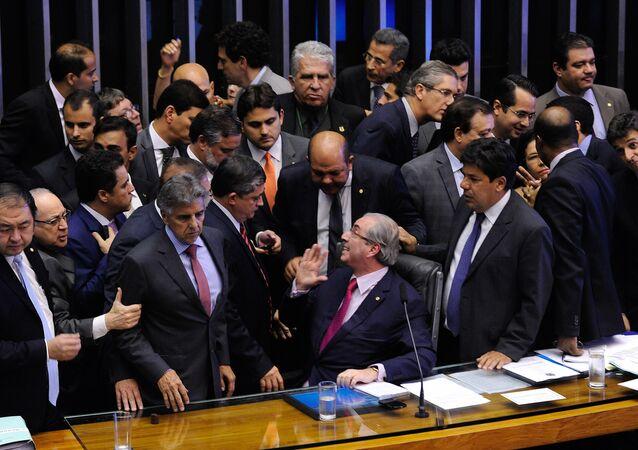 Segundo o líder do PT na Câmara, Sibá Machado, o Brasil vive uma grande ameaça de retrocesso