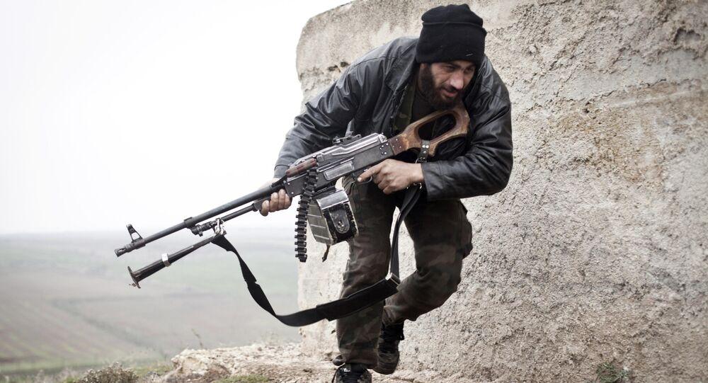 Um militante do Exército Livre da Síria (foto de arquivo)