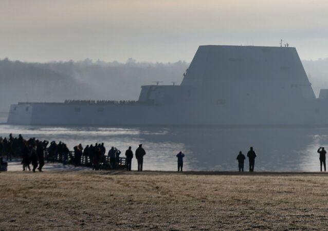 Primeiro destróier da classe Zumwalt, o maior já construído para a Marinha dos EUA (imagem ilustrativa)