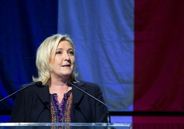 Marine Le Pen após o anúncio dos resultados do segundo turno das eleições regionais