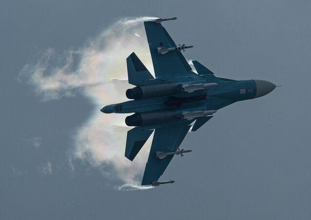 Caça bombardeiro Su-34
