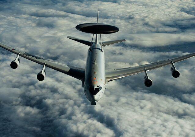 Avião de Sistema Aéreo de Alerta e Controle (AWACS)