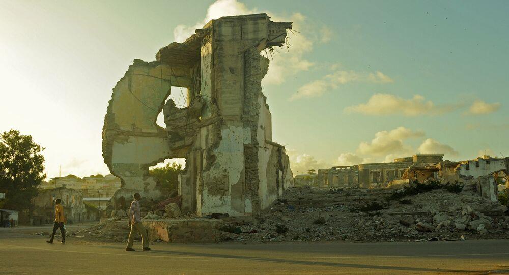 O pôr-do-sol em 11 de agosto de 2015 em Mogadíscio, capital da Somália