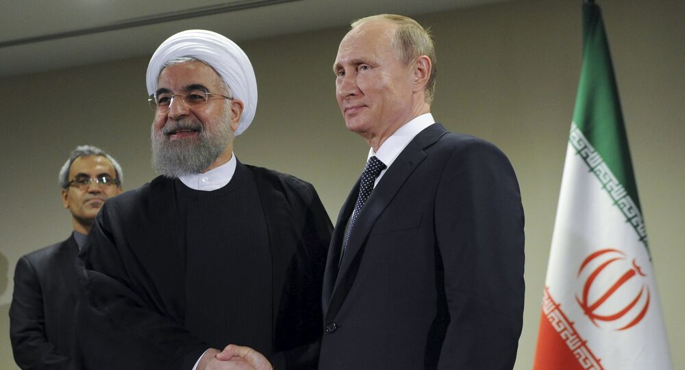 Presidente da Rússia Vladimir Putin e presidente do Irã Hassan Rohani