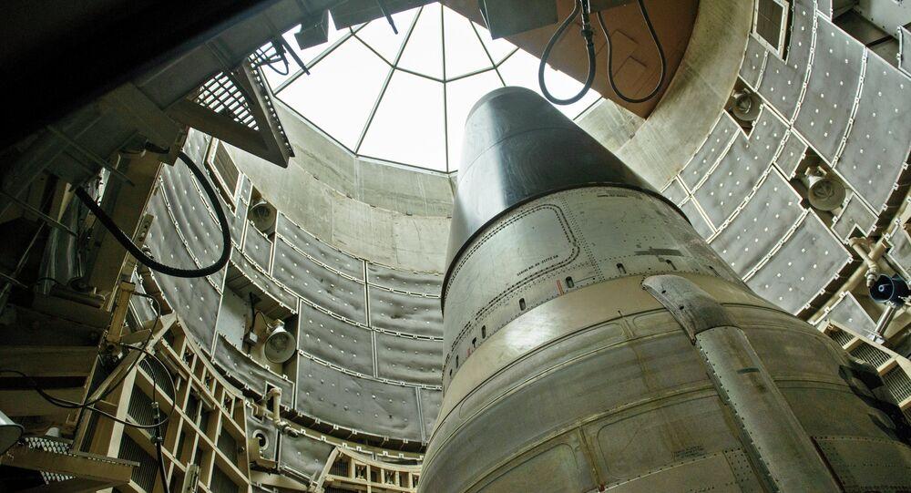 Um míssil nuclear ICBM Titan II desativado é visto em um silo no Missile Museum Titan. 12 de maio, 2015, Green Valley, Arizona.