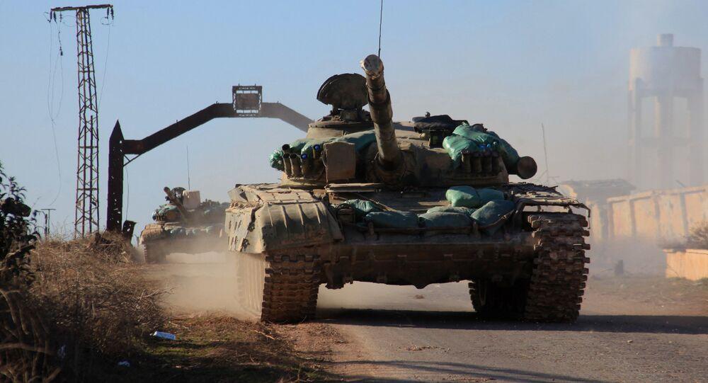 Tanques do exército sírio na província de Aleppo