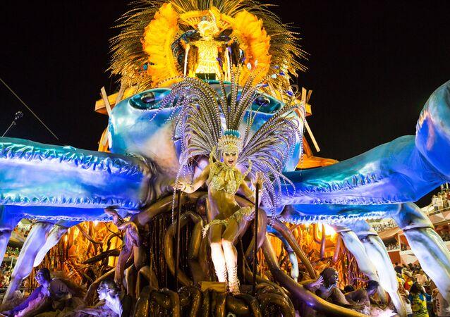 Carro alegórico da Vila Isabel no Carnaval 2016